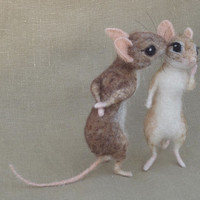 Needle felted mouse couple 1:12 scale dollhouse mice
