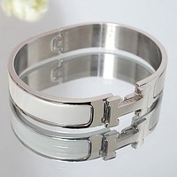 One-nice™ Perfect Hermes Woman Fashion Logo Enamel Bracelet