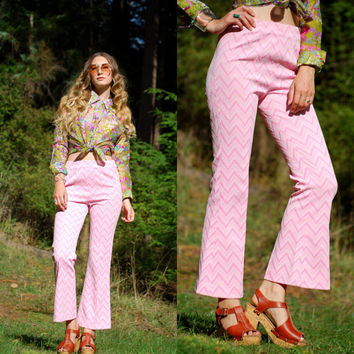 vintage high waisted pants / 60s 70s Pink + White Zig Zag Chevron pants / Flared pants  high waisted trousers / Knit Bell Bottoms size SMALL