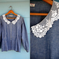 1990s. chambray button up long sleeve with lace collar. m