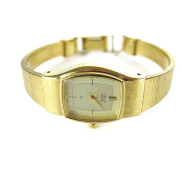 Vintage Citizen Quartz Watch Ladies Gold Watch Latch Closure Made in Japan Skinny Wrist Watch Base Metal Simple Womens Minimalist Watch