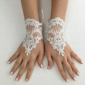 EXPRESS SHIP Ivory lace gloves wedding bridal gloves french lace  wedding gloves, lace glove, Bridal gift, Bridal accessories