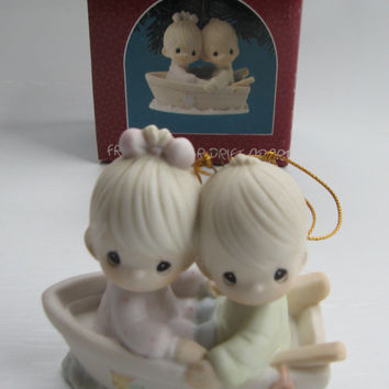 """1990 PRECIOUS MOMENTS """"Friends Forever"""""""