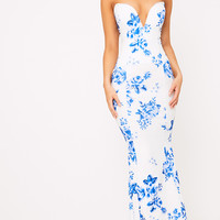 Wendie White Porcelain Print Sweetheart Fishtail Maxi Dress