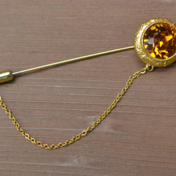 Vintage gold tone jeweled stick pin with safety chain