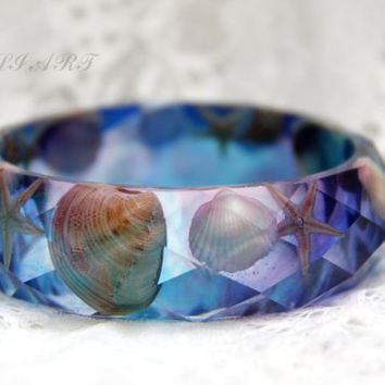 Resin bracelet, bangle resin starfish,  Resin blue bangle, Resin starfish, faceted bracelet, bracelet sea shells, resin bangle sea shells