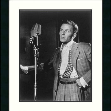 "0-008521>23x27"" William P. Gottlieb Golden Age of Jazz Frank Sinatra Framed Print"