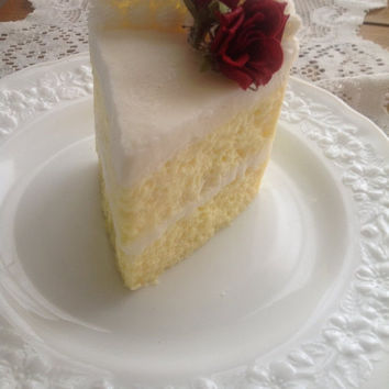 Heavy on the Buttercream - A Slice of Birthday Cake Scented Candle