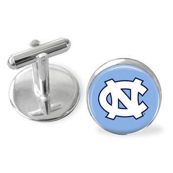 Sporty gift, UNC, UNC Tarheels gift, University of North Carolina, college sports accessories, groomsmen gifts, custom made. Gifts for men