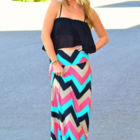 STRAIGHT TO THE POINT CHEVRON MAXI DRESS