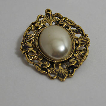 Vintage Aged Gold Pearl Brooch ornate style ladies costume jewelry traditional style