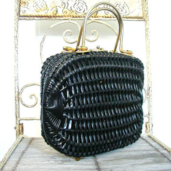Vintage Woven Handbag / black framed bag / 60s handbag / wicker purse / kelly bag / dorothy bag / structured purse