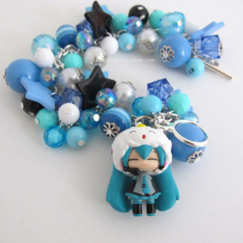 Hatsune Miku Japanese VOCALOID 2 Blue Chunky Beaded Bracelet. Kawaii Harajuku Style Blue, Black, White, Teal Bracelet