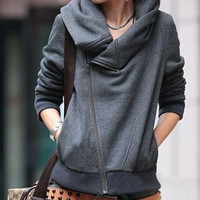 LONG-SLEEVED SWEATER hooded COAT