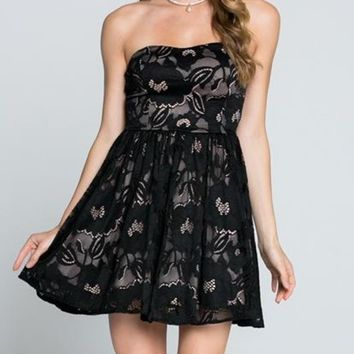 Lovely In Black Lace Strapless Dress