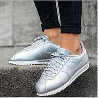 Nike Classic Cortez Leather Mujer Sneaker - Silver