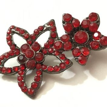 Vintage Red Rhinestone Two Flower Brooch / Ruby Cabochon Gem Daisy Pin / Retro Mid Century Floral Brooch / Ladies Double Flower Brooch Pin