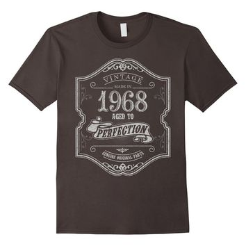 Vintage Born in 1968 Aged to Perfection 49 yrs years old Birthday T-Shirt