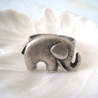 Antique Silver Elephant Ring by lunashineshine on Etsy