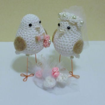 Personalized Birds Wedding Decoration, Custom Wedding Cake Topper - Love Bird Cake Topper, Two crocheted Love Birds, Wedding Decoration