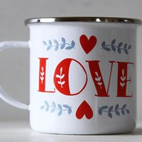 Tazza in latta con stampa 'Love'