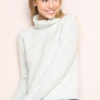 CASSIA TURTLENECK SWEATER
