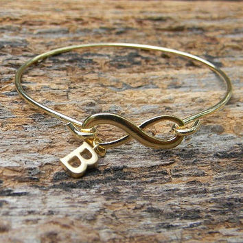 Personalized Infinity Bracelet with Initial /  Infinity Mothers Bracelet / Infinity Bangle Bracelet /  Infinity Bridesmaid Bracelet / Bangle