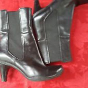 Kenneth Cole Reaction soft Black Leather Ankle Boots kitten Heel sz 8 M. GAB