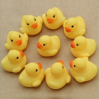 10pcs/lot Mini Swimming Duck 4*4cm Baby Bath Toy Infant Squeeze Sounding Dabbling Toys Yellow Bathing Swim Ducks