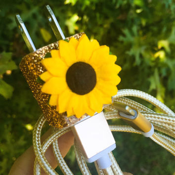 Gold Sparkly Sunflower iPhone 5/6/7 Charger