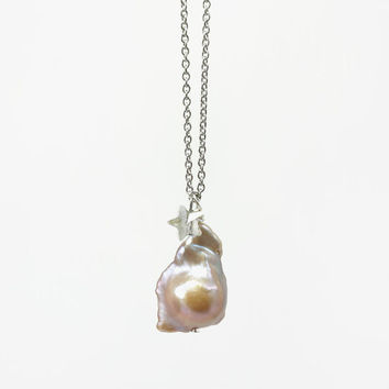 Simple Baroque Pearl Pendant Necklace in Top Quality with Star Shape Swarovski on Stainless Steel Chain
