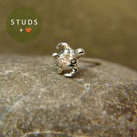 NOSE STUD sea Turtle sterling silver 4mm / ring nose studs cartilage earring tragus earring cartilage