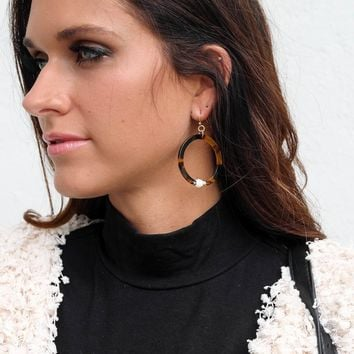 Let It Linger Tortoise Pearl Hoop Earrings