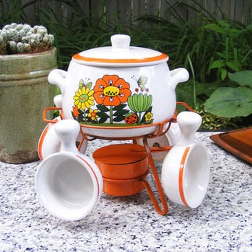 Vintage Fondue or Bean Pot Set by Price Imports by GSArcheologist