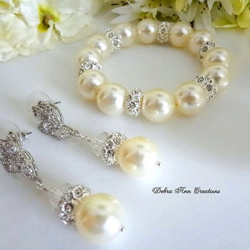 Swarovski Cream Pearl Bracelet and Earrings Set Bridesmaid Gift Bride Jewelry Pearl Bridal Wedding Set Mother of Bride Groom Bride to be