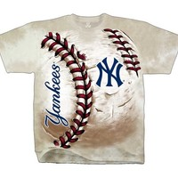 (HOT-NEW-TRENDY-OFFICIALLY-LICENSED,NEW-YORK-YANKEES-LOGO & BASEBALL,NICE-GRAPHIC-PRINTED-PREMIUM-M.L.B.TEES:)