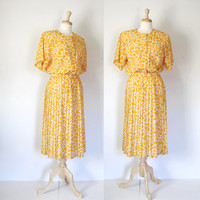 Vintage 70s Gold and White Pleated Shirtwaist Dress