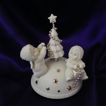 Dept 56 Snowbabies Rotating Music Box, Oh Christmas Tree, Snowbaby Angels Decorating Tree, Charming Wind Up Christmas Decor