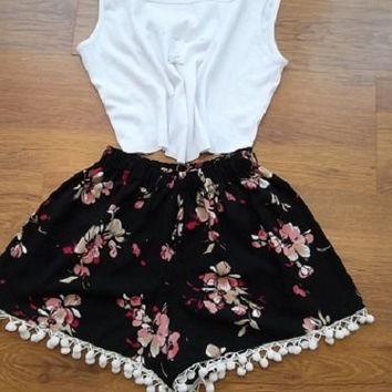 Pom Pom Shorts.Black and pink floral