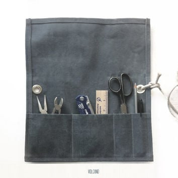 Tool roll up pouch and waist apron in waxed charcoal canvas - Volcano Store