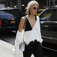 Fashion Tassel Deep V-Neck Loose Long Sleeve Solid Color Sweater Women Short Knitwear Tops
