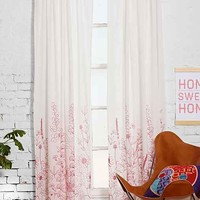 Assembly Home Delling Curtain