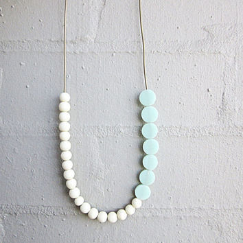 NL-233 Off-White Cream Round and Pastel Green Mint Coin-shaped Matte Resin Beads Necklace in Length Adjustable Sand Colour Leather Cord