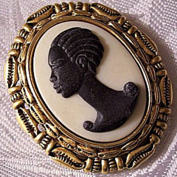 Coreen Simpson The Black Cameo Pin Brooch Satin Gold Tone Vintage Cowrie Sea Shell