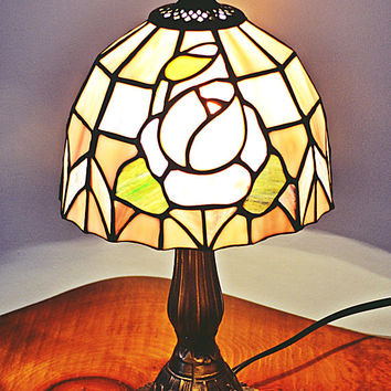 Tiffany Style Lamp, Accent Lamp, Bedside Table Lamp