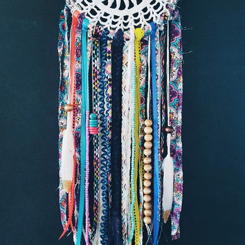 Bohemian DreamCatcher-Dream Catcher-Doily DreamCatcher-Crochet Dream Catcher-White Dream Catcher-Gypsy DreamCatcher-Boho Decoration-Colorful