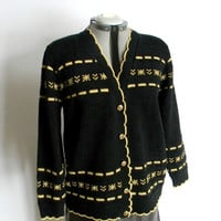 Vintage cardigan. 90s black gold cardigan. Scallop knit  jacket. Size Medium. Back to school. Fall fashion