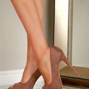 Primp & Pump Heels Taupe