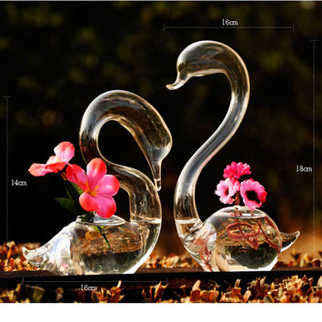 Love Swan Tabletop Glass Flower Vase-A perfect gift and home decor piece