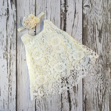 Baby girl dress. Ivory lace baby dress. Baby girl outfit.Christening dress. Baptism dress. Baby lace dress.